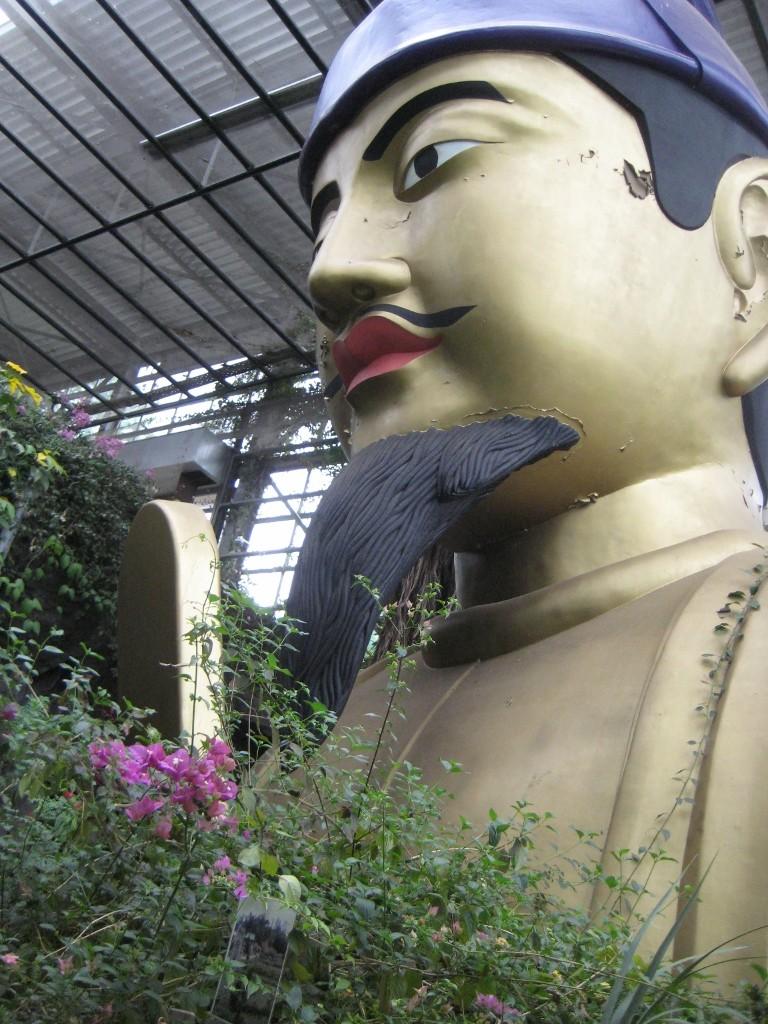 巨大な聖徳太子像