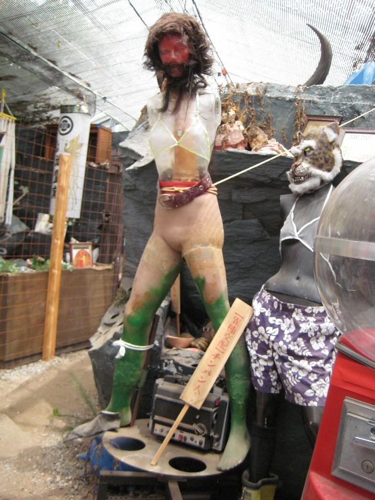 まぼろし博覧会の怪しいマネキン