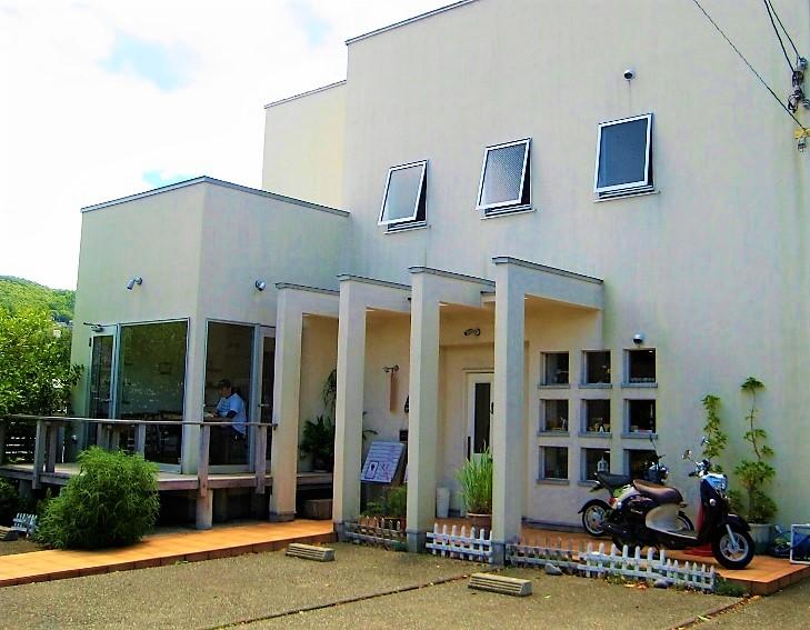 静岡県伊東市のカフェcafe TATIの外観