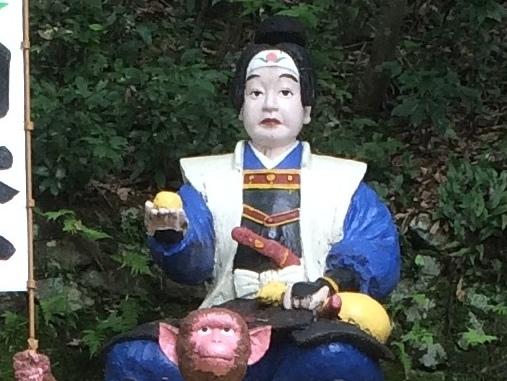 桃太郎神社の桃太郎