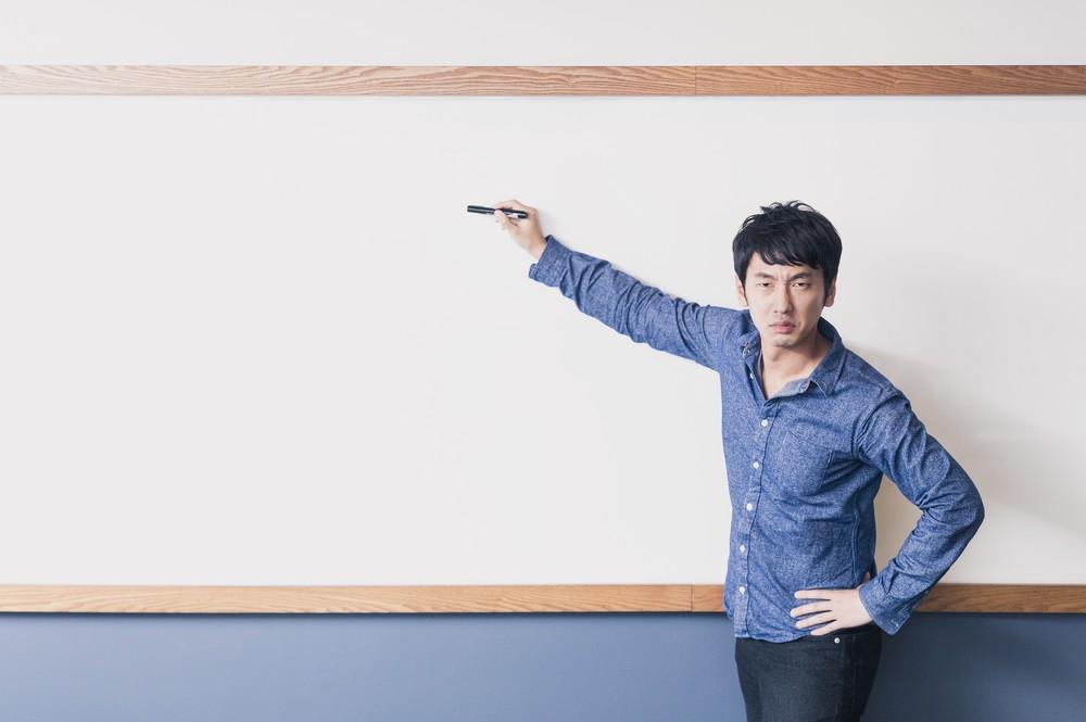勉強を習慣化する方法を伝授する人