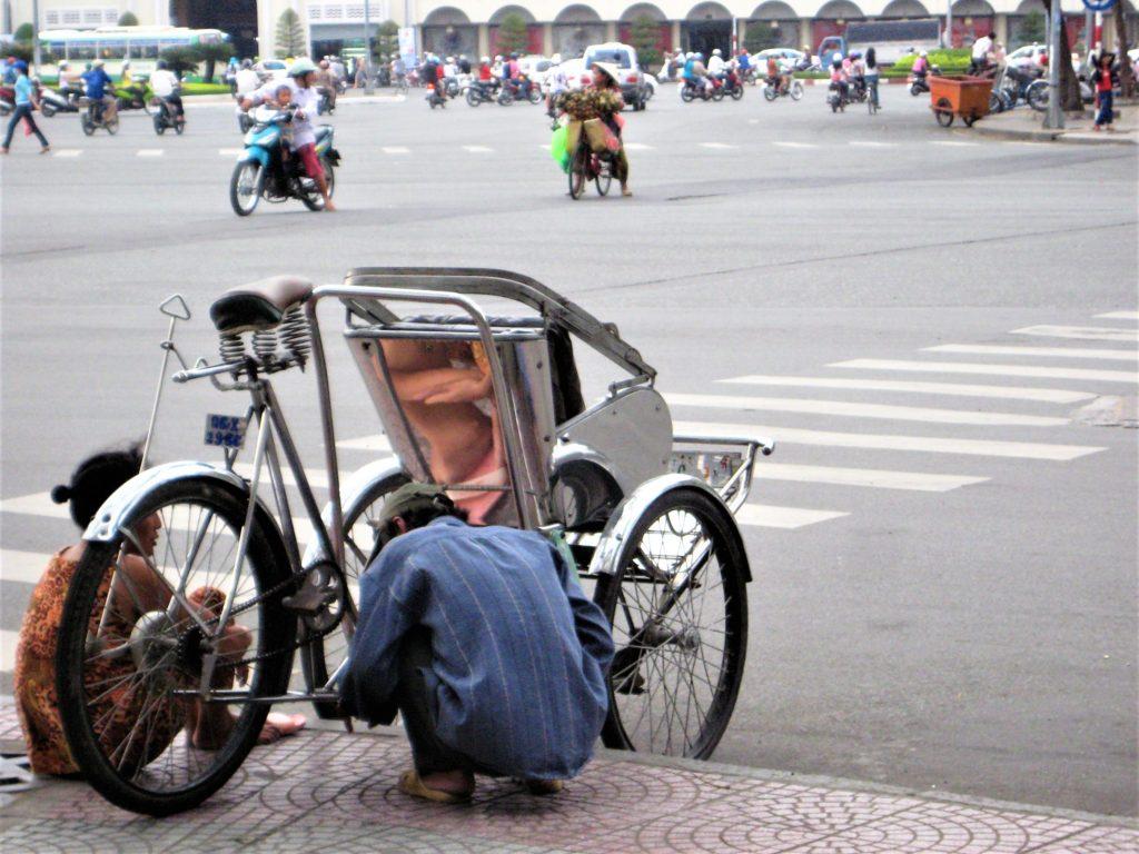 ベトナムの人力車シクロ