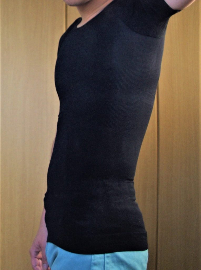 メンズ加圧インナーの着用例横向き